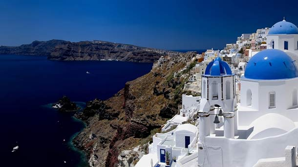 Holidays to Santorini, Beautiful Historical Experience