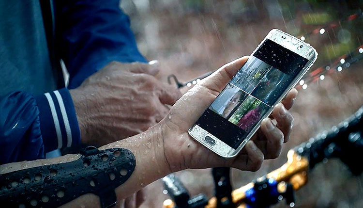 Best Waterproof Phone: The Best 5 Choices Available Now