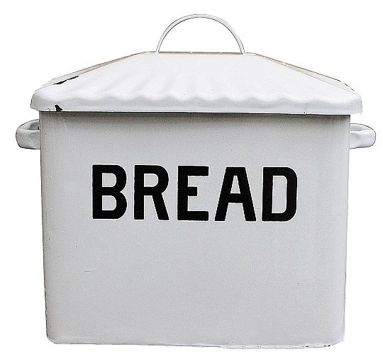 For those who adore rustic bread boxes, this is the best pick for some old school fresh feeling.