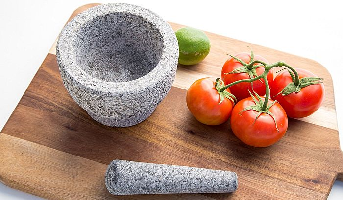 Best mortar and pestle set in our opinion: the Jamie Oliver one.