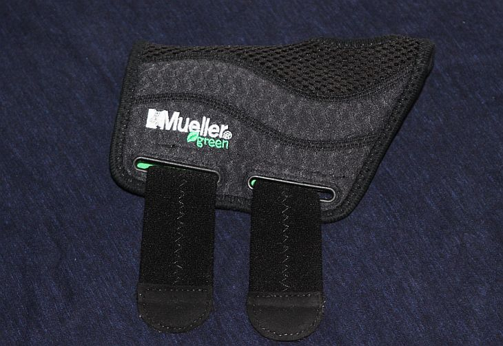 Mueller's green line is my pick for the best wrist brace for carpal tunnel syndrome out there.