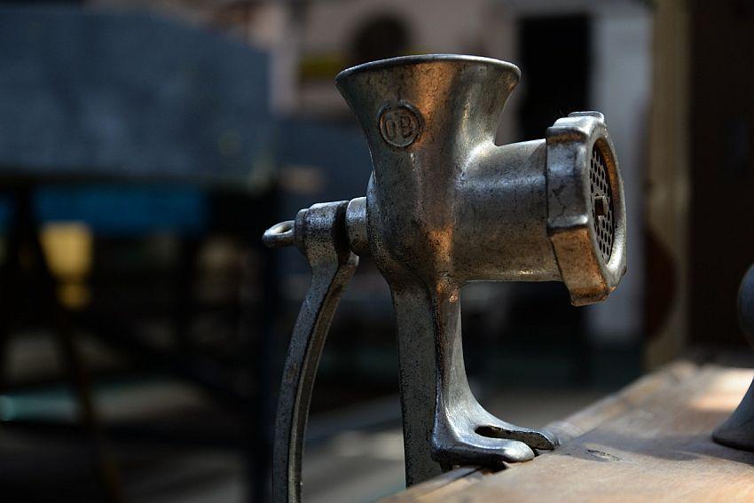 Homemade grinding: best meat grinder for bones & raw food