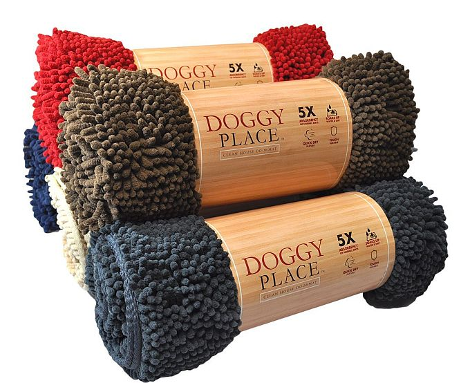 With chenille fabric, this MyDoggyPlace rug is the best indoor mat for muddy dog paws.