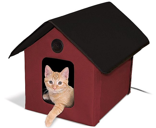 K&H do it again with this amazing outdoor heating house for cats.