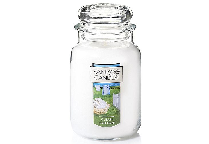CleanCotton is definitely the best Yankee candle for home use with its smell of soft tidyness!