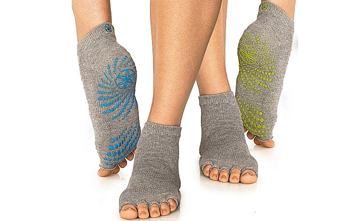 Gaiam make the best toeless socks for yoga, in my opinion.