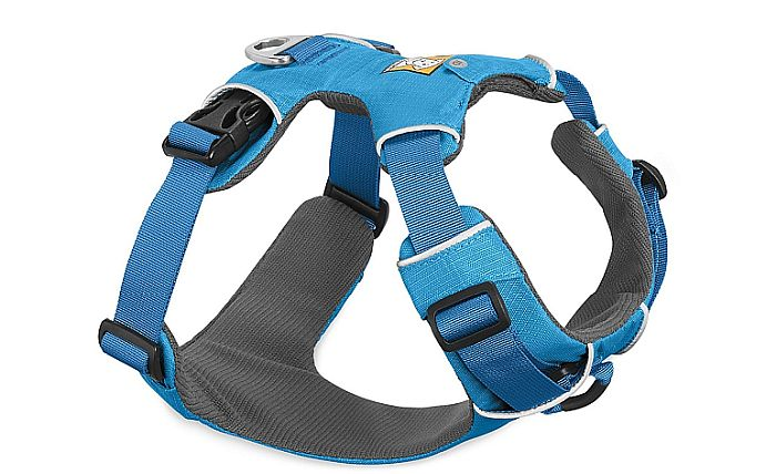Ruffwear have a luminous offer: quite the harness for every day use, as far as pitbulls are concerned.