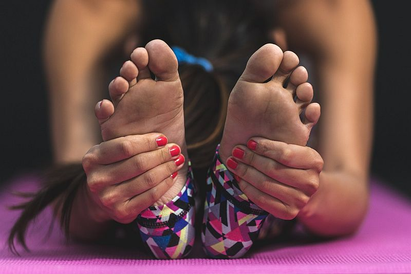 Cozy grip: 4 best socks for yoga, pilates & barre