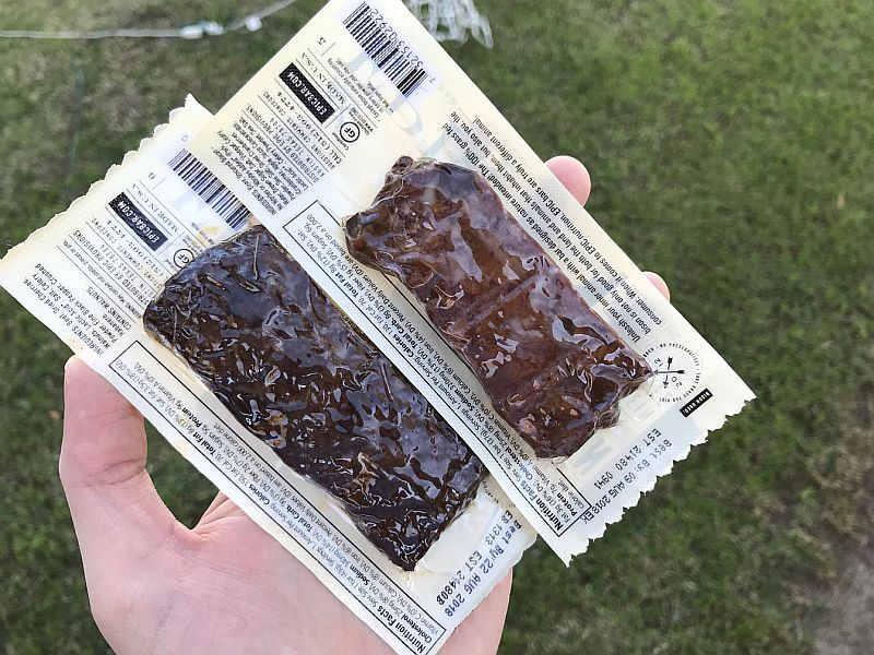 Here's our review of the Epic protein bar variety: from beef, to bison, chicken or wild boar. Tasty healthiness!