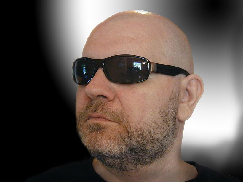 618ecb9432a Sunglasses   Bald Guys  What Works Best for Different Head Shapes ...