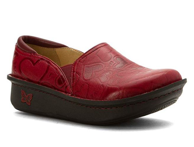 Dansko vs Alegria: While Dansko are sturdier, they also feel stiffer. Here's what I think about how these two nursing shoes brands compare