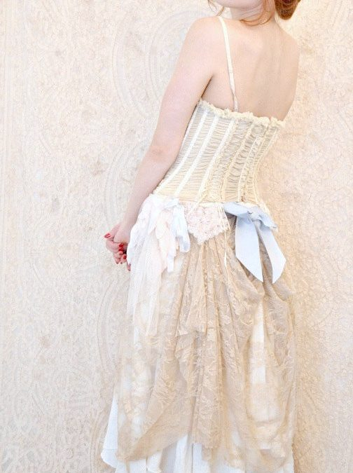 The Bustle: A Very Practical Thing For Your Wedding Dress